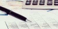 bureau-documents-comptes-argent